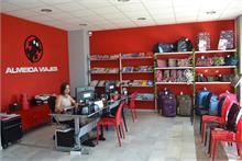 El Grupo Almeida Viajes reinventa las agencias e incluye la venta de artículos de viaje y complementos